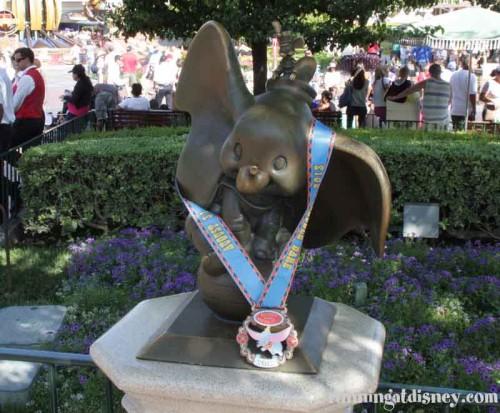 056 DLHalf-Dumbo-Medal