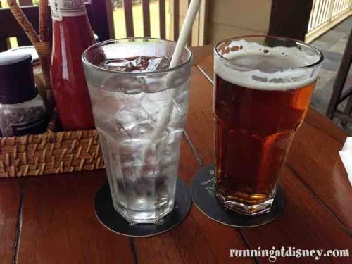 Green-Cabin-Room-Drinks