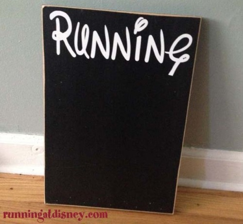 Running-on-the-Wall-bib-and-medal-holder