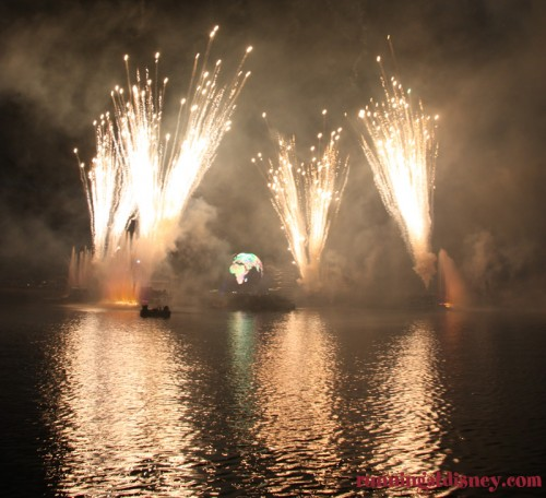 Illuminations- Fireworks-Disney-2