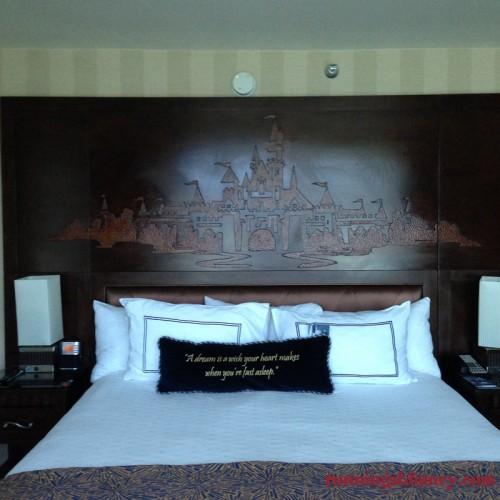 Disneyland-Love-Disneyland-Hotel-King-Room