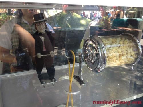 Disneyland-Love-Popcorn-Carts