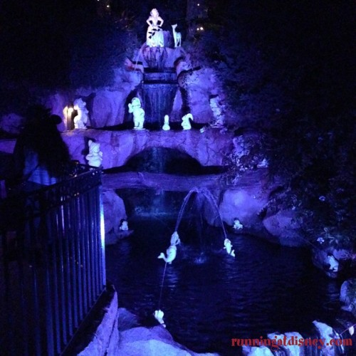 Disneyland-Love-Snow-White-Grotto
