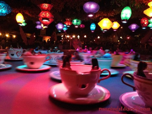 Disneyland-Love-Tea-Cups-Nighttime