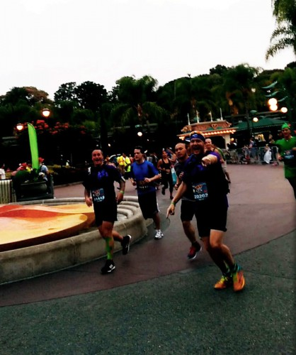 2014-Disneyland-10K-Spectating-Jenna-AFJ_10K2