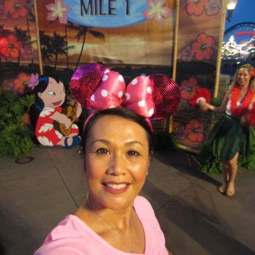 2014-Disneyland-5K-Minnie-Paulie-Mile1-4