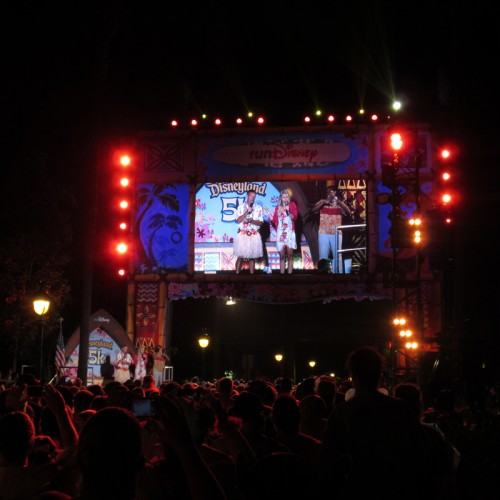 2014-Disneyland-5K-Minnie-Paulie-Start-Line-3