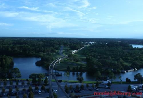 Disney-Monorail-2