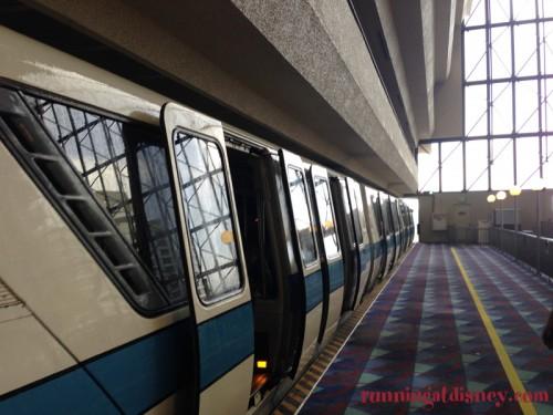 Disney-Monorail-3
