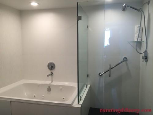 B-Resort-Spa-LBV-Deluxe-Room-7
