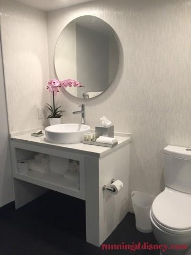 B-Resort-Spa-LBV-Deluxe-Room-8