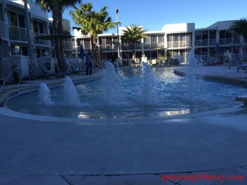 B-Resort-Spa-LBV-Pool-4