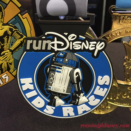 Inaugural-Star-Wars-Half-Marathon-Weekend-Medal-Kids-Races