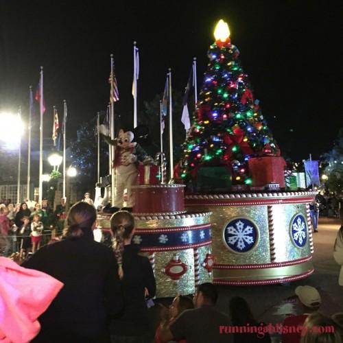 Mickeys-Very-Merry-Christmas-Party-13