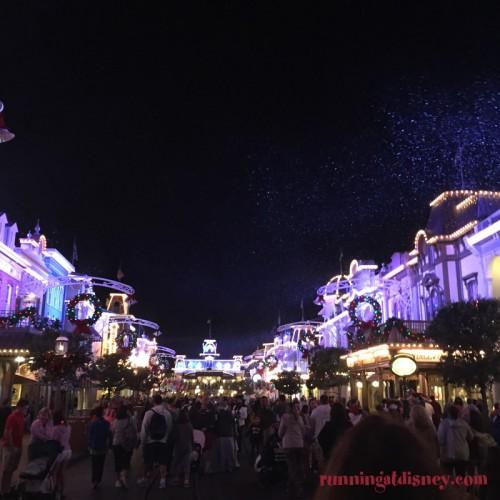 Mickeys-Very-Merry-Christmas-Party-15