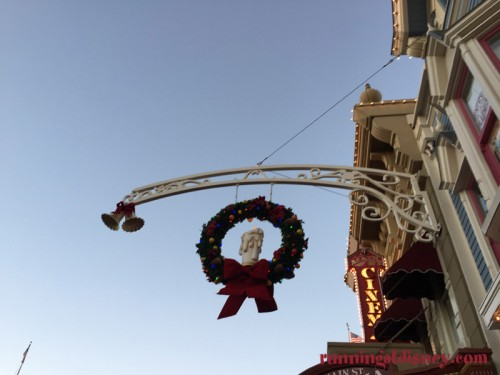 Mickeys-Very-Merry-Christmas-Party-2