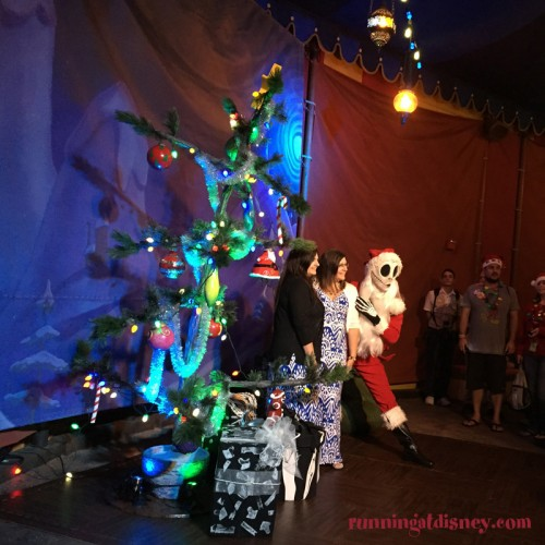 Mickeys-Very-Merry-Christmas-Party-6