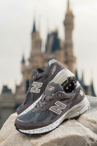 2015-runDisney-New-Balence-Womens-Minnie-Shoe