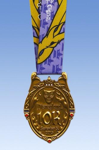 2015-Disneyland-Half-Marathon-10K-Medal
