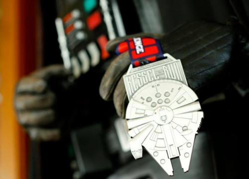 2016-Star-Wars-Dark-Side-Medals-Kessel-Run